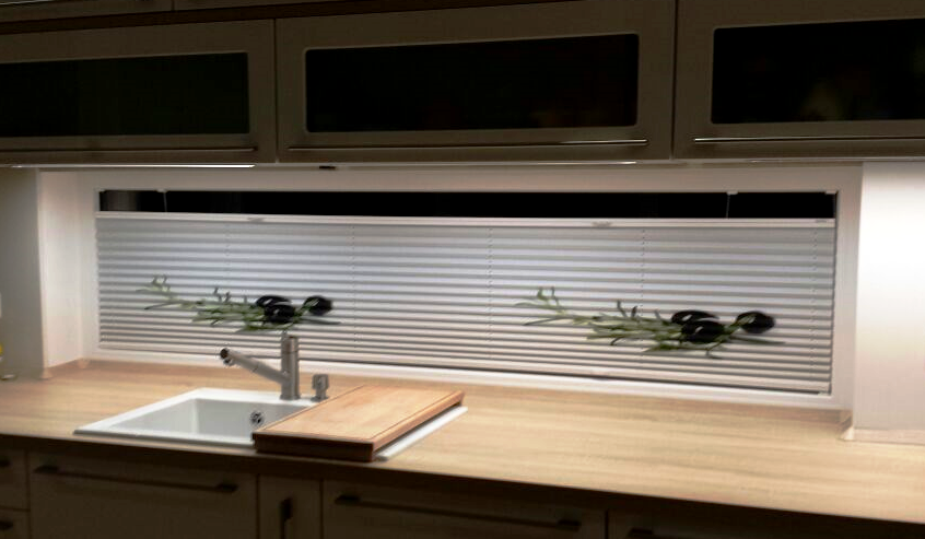plissee f r fenster mit berbreite im modernen design my. Black Bedroom Furniture Sets. Home Design Ideas
